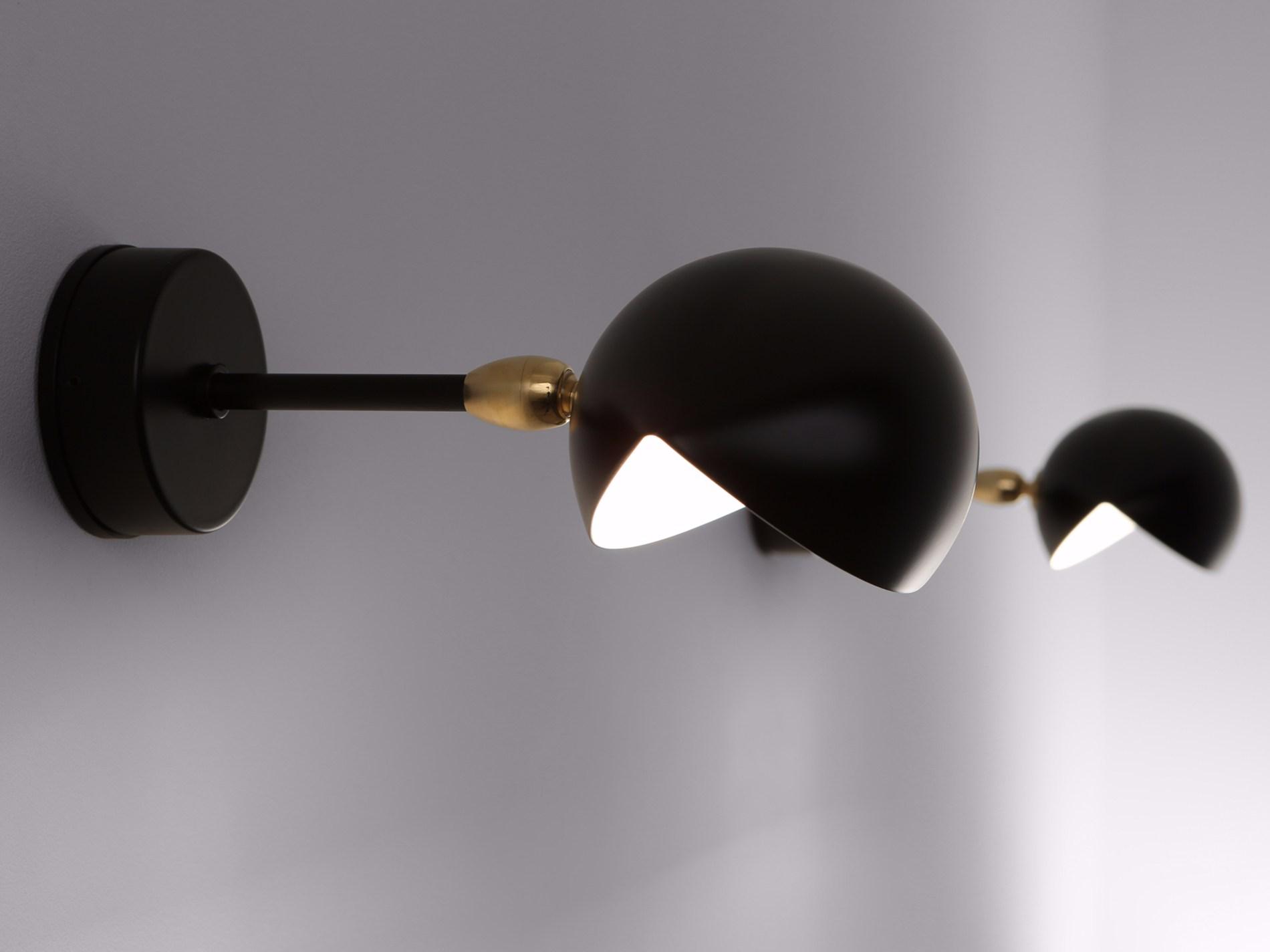 petite applique il. Black Bedroom Furniture Sets. Home Design Ideas